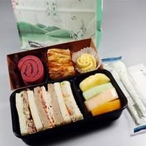 """全国首创!东航推出""""伴手礼式""""空中餐食"""