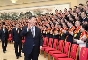 ปธน.จีนพบผู้แทนหน่วยงานและบุคคลดีเด่นด้านการสนับสนุนทางการท้องถิ่นกับกองทหาร