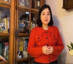 Người Việt Nam tham gia công tác tình nguyện trong khu chung cư