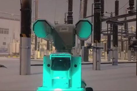 Robot tuần tra bảo vệ nguồn điện đường sắt ở Trung Quốc