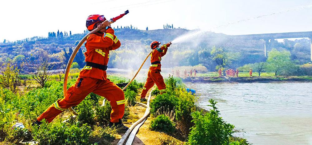 昆明市森林消防支队开展集训