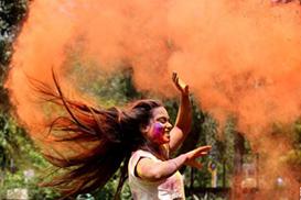 印度庆祝洒红节