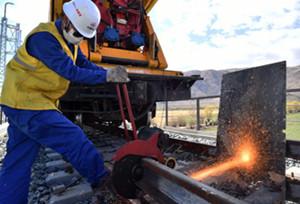 တိဗက္ေဒသသို႔ ဝင္ေရာက္မည့္ မီးရထားလမ္းသစ္တည္ေဆာက္ျခင္းကို အရွိန္အဟုန္ျဖင့္ ေဆာင္႐ြက္ေန