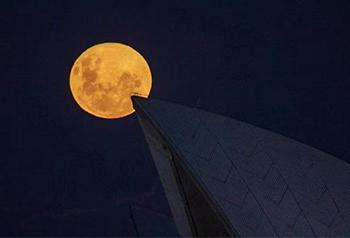 Siêu trăng tuyệt đẹp ở châu Á