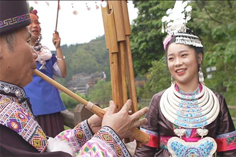 Lý Quyên - Hướng dẫn viên Bảo tàng Dân tộc Động huyện Tam Giang