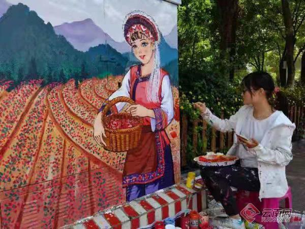 Graffiti beautifies streets in Kunming