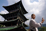 Biểu diễn tuyệt kỹ Kungfu tại chùa Thiếu Lâm, Trung Quốc