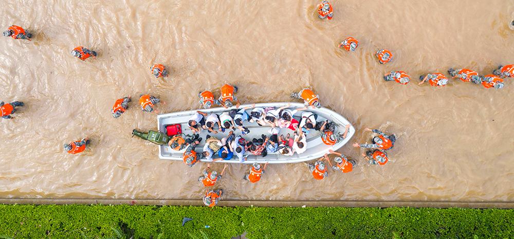 把保障人民群众生命财产安全放在第一位——河南抗击历史罕见强降雨纪实