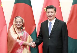 លោក ស៊ីជីនភីង ជួបពិភាក្សាការងារជាមួយលោកស្រី Sheikh Hasina Wazed នាយករដ្ឋមន្ត្រីបង់ក្លាដេស