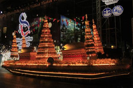 曼谷花车巡游开启泰国2018旅游年