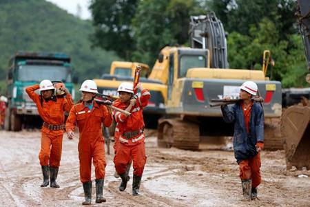 緬甸山體滑坡已導致52人死 約2.5萬人仍無家可歸