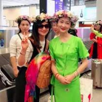 洒清水、穿傣服……东航云南让乘客感受不一样的泼水节