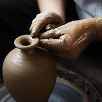 """""""土与火的艺术"""" 黑陶师的工匠人生"""