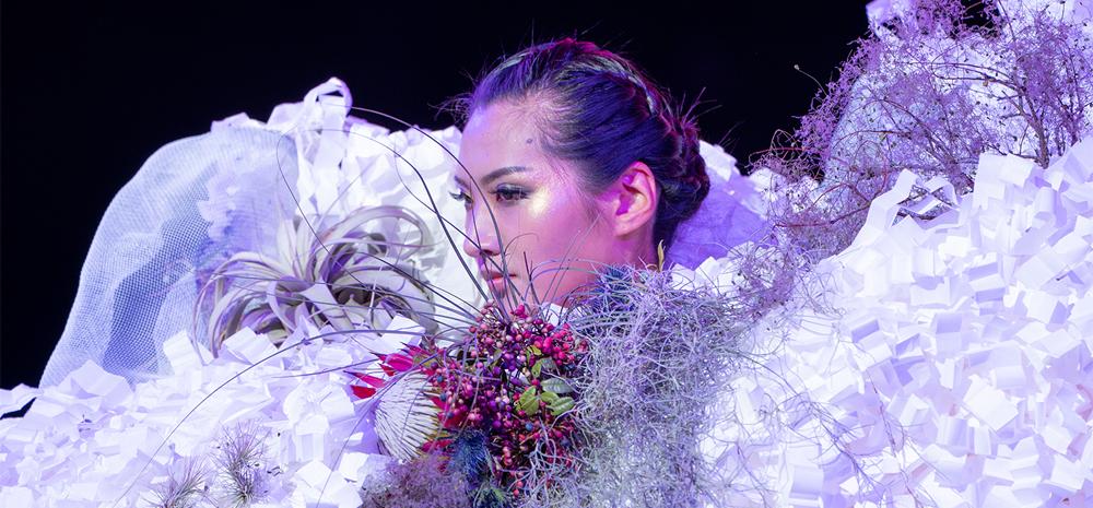 งานราตรีประมูลดอกไม้และงานนิทรรศการดอกไม้นานาชาติคุนหมิง จัดขึ้นที่เมืองคุนหมิง