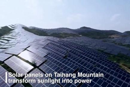 ประโยชน์มหาศาล! จีนติดตั้งแผงโซลาร์เซลล์บนภูเขาสูง ลดปล่อยก๊าซคาร์บอนฯ ได้ปีละ 20,000 ตัน
