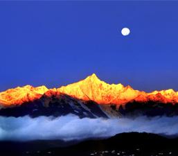 ภูเขาหิมะ 6 แห่งที่สวยงามที่สุดในมณฑลยูนนาน