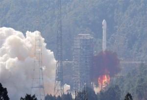 ยิงจรวดลำเดียว ได้ดาวเทียมสองดวง! จีนเสริมทัพระบบนำทางเป๋ยโต่ว เปิดคลิปลำเลียงติดตั้งส่งออก