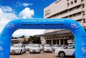 บริษัทรถยนต์ BYD ส่งมอบรถยนต์รถไฟรุ่น e6 จำนวน 101 คันแก่ไทย