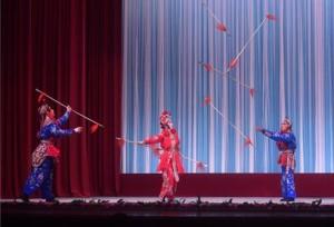 โรงละครงิ้วปักกิ่งแห่งชาติจัดการแสดงงิ้วโชว์ลีลาบู๊