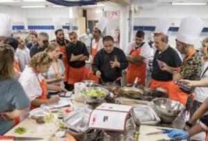 พ่อครัวอิสราเอลเรียนปรุงอาหารจีน