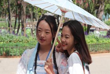 ช่วงวันชาติจีนสวนสาธารณะ 8 แห่งในเมืองคุนหมิง เปิดให้บริการฟรี