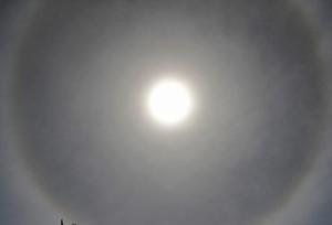 เกิดพระอาทิตย์ทรงกลด เหนือฟ้านครเซี่ยงไฮ้