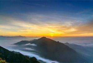 """""""ทะเลเมฆ"""" ที่ภูเขาจินจื่อซาน มณฑลกว่างตง"""