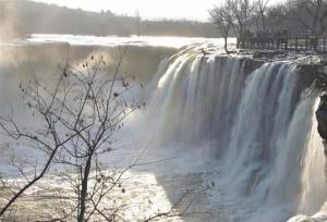 """""""น้ำตกทะเลสาบจิ้งโป๋"""" มณฑลเฮยหลงเจียงในฤดูหนาว"""