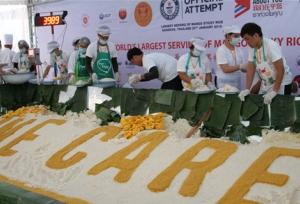 ไทยทำข้าวเหนียวมะม่วงใหญ่ที่สุดในโลก 4.5 ตันเลี้ยงนทท.จีนหมื่นคน